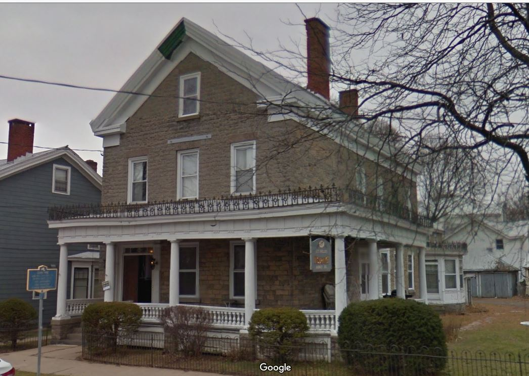 Mother Daughter Homes Under   On Long Island